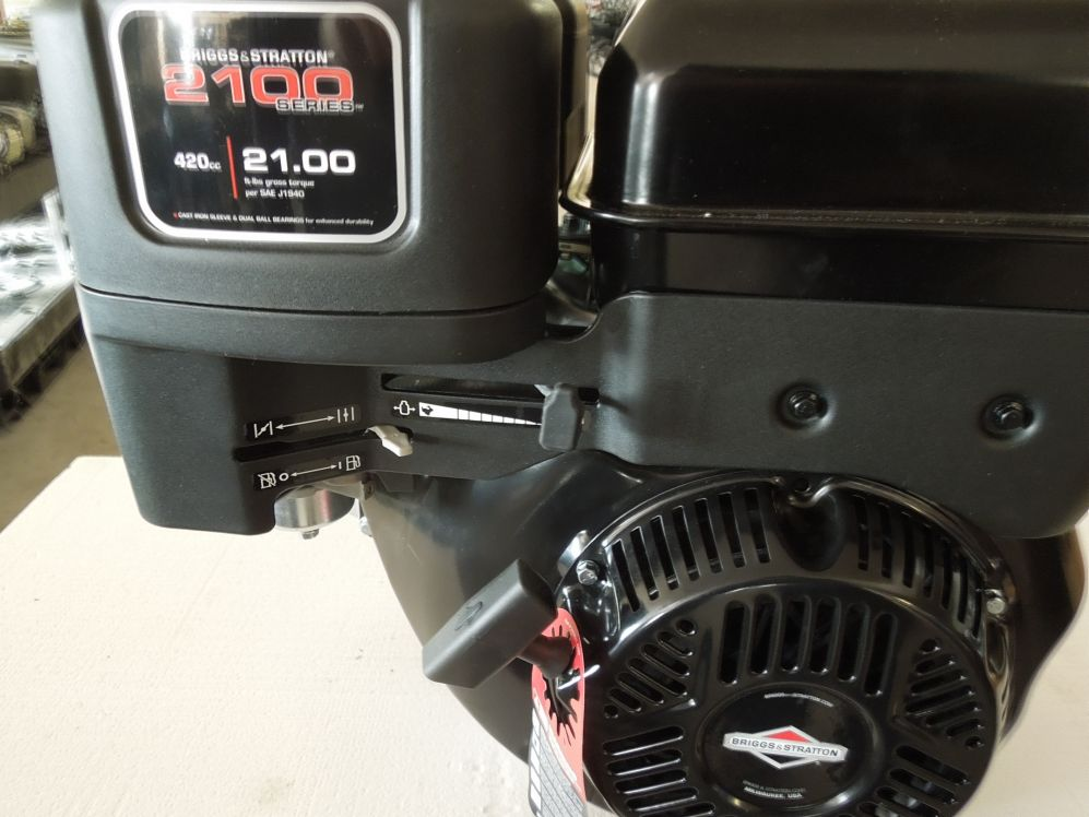 Briggs & Stratton 2100 Serie 14 PS Motor